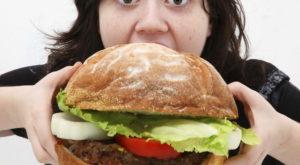 La mancanza di sonno aumenta l'appetito